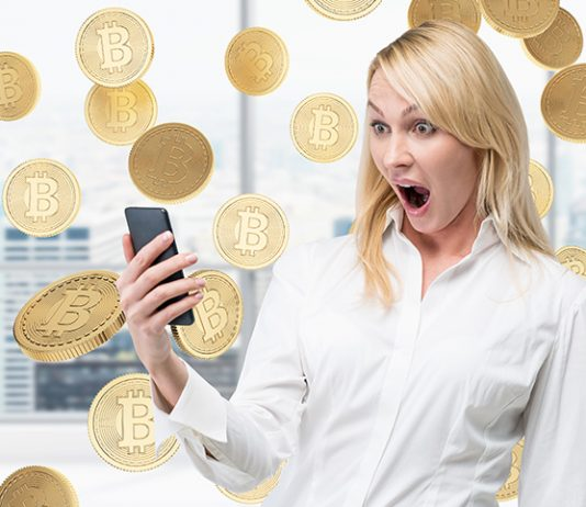 women bitcoin cryptocurrency
